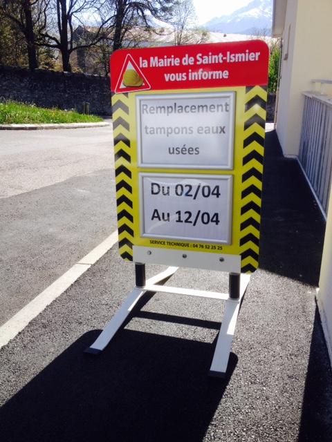 Mairie saint Ismier information panneaux chevalet impression pub grésivaudan