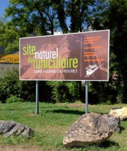 Funiculaire Saint-hilaire-du-touvet panneaux extérieur grand format pub grésivaudan-grenoble-isere-panneaux