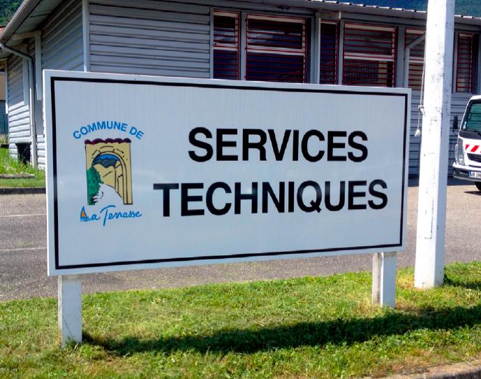Ville la terrasse services techniques impression panneaux information pub grésivaudan
