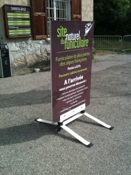 Funiculaire de Saint-Hilaire-du-Touvet signalétique extérieurs chevalets pub grésivaudan-isère-grenoble