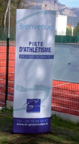 Piste athlétisme Villard-bonnot Amcor signalétique extérieurs pré-enseigne grésivaudan