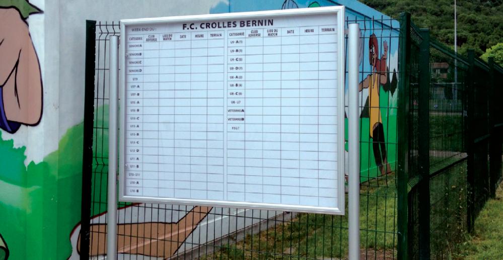 F.C. Crolles-Bernin panneau affichage extérieur aluminium pub grésivaudan