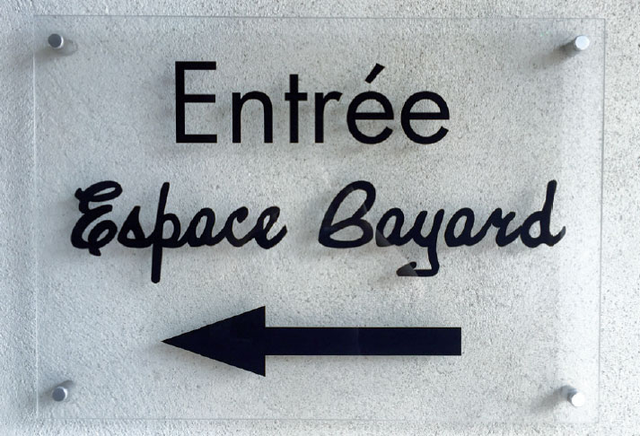 Espace Bayard SIGNALÉTIQUE EXTÉRIEURE SIGNALÉTIQUE INTÉRIEURE ENSEIGNE MARQUAGE VÉHICULES EVENEMENTIEL DÉCORATION / VITROPHANIE GRAVURE pub grésivaudan grenoble