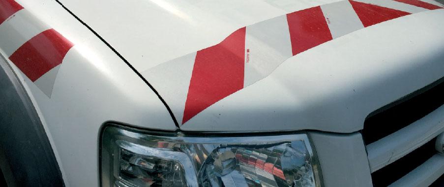 Bandes alternées adhésif véhicule sur mesure grésivaudan